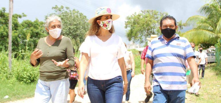 Senadora MV en col Fidel velázquez