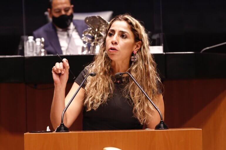 Marybel Villegas en tribuna 29 octubre 2020